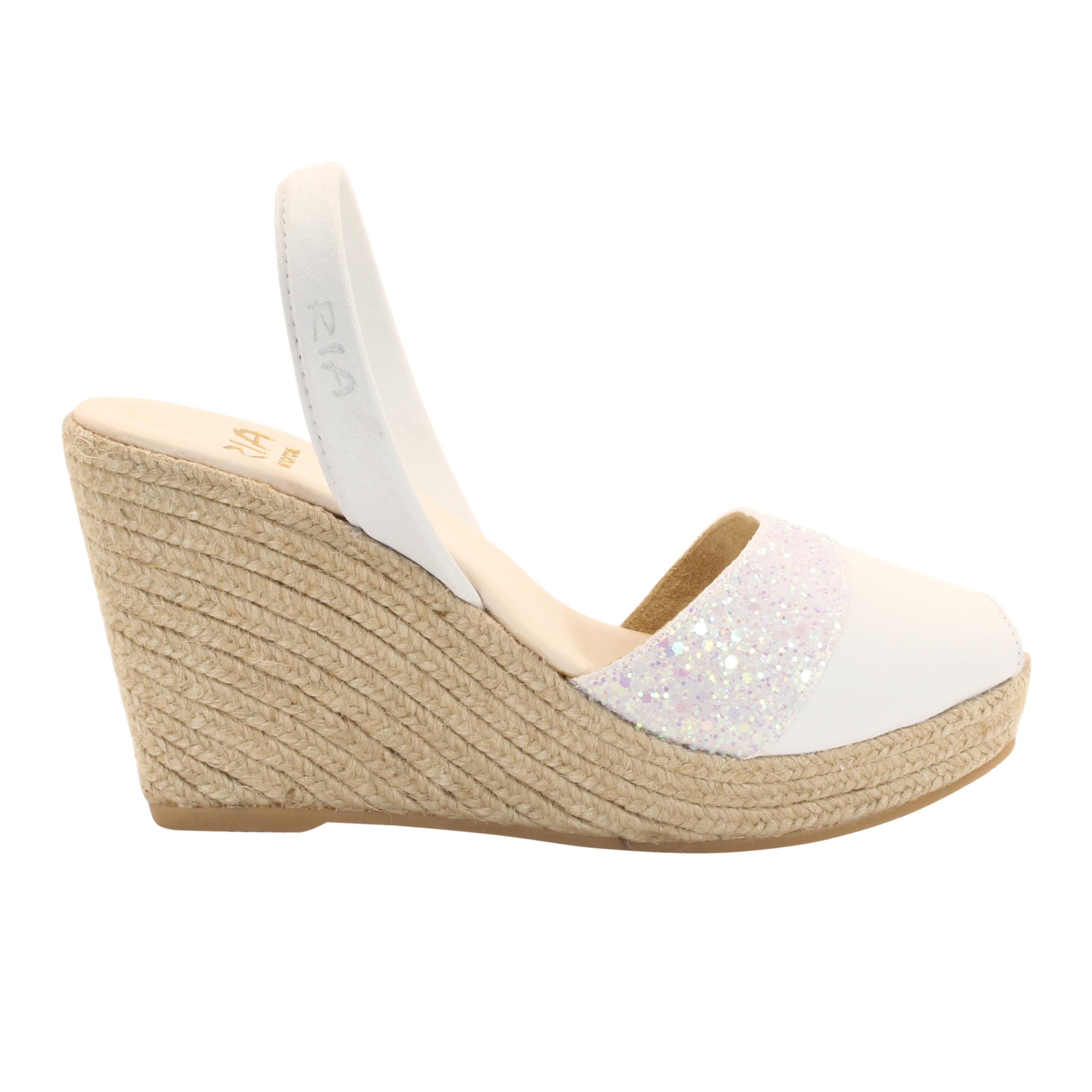 Las avarcas de Menorca, el zapato estrella de la temporada. Cómpralas en la tienda online VENTAJON.